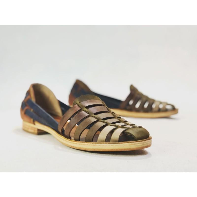 Indian Beloved sandalias de cuero hechas a mano verde tierra seca camel marrón azul vino caramelo detalles beige