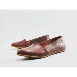 Pampa Fem zapatos hechos a mano de cuero rojo graso detalles beige rosa